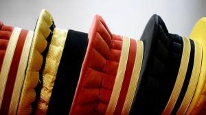 des-coiffes-d-avocat-chez-le-fabriquant-maison-bosc-le-4-decembre-2013_5447055